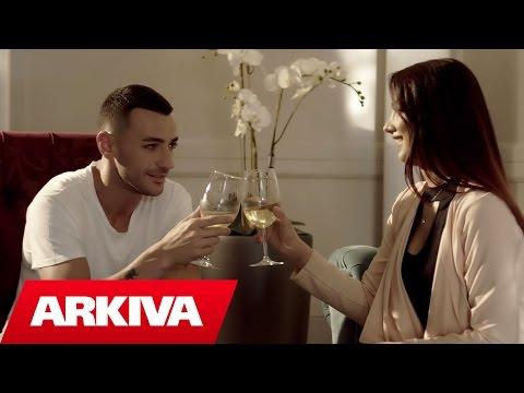 Fake Love – Stresi & Flor Bana